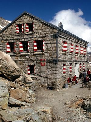 Von Hütte zu Hütte-Wanderführer Zermatt